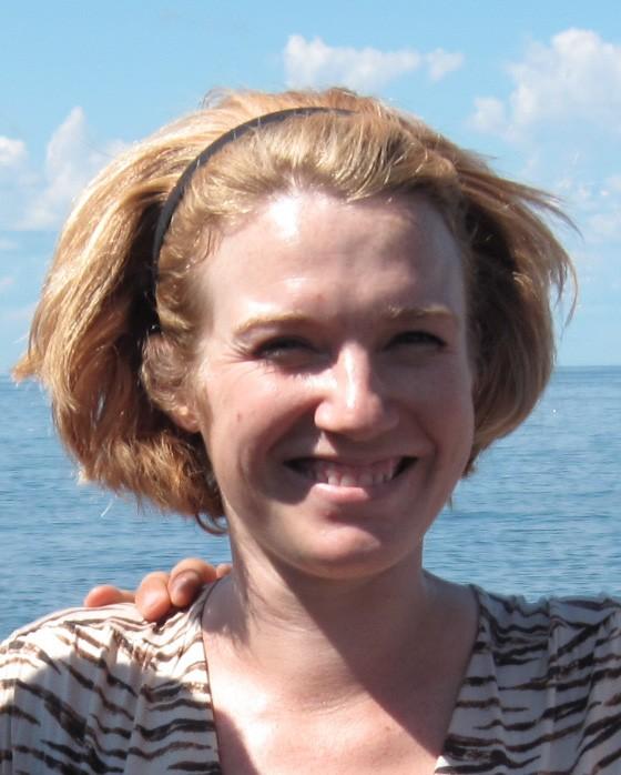 Lindsay, beach headshot